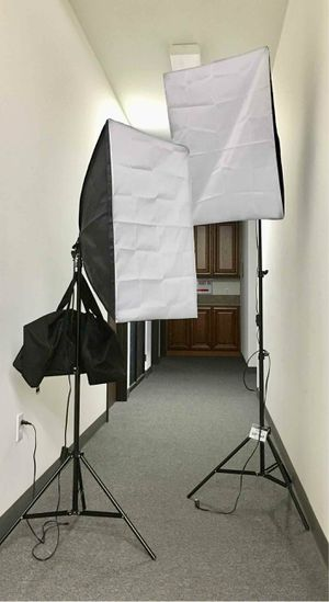 New in box 2 pcs 85 watts soft light softbox photography studio lighting equipment for Sale in Whittier, CA