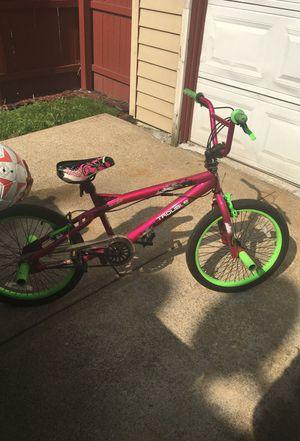 Girl bike for Sale in Lakewood, OH