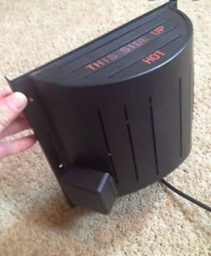 Akoma dog house heater. Lightly used for Sale in Sharpsburg, KY