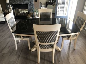 Kitchen Table Set for Sale in Highland Charter Township, MI