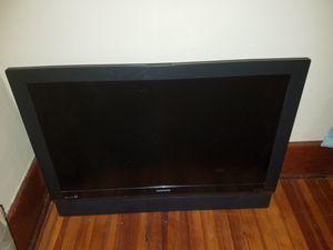 32 in Magnavox LCD flatscreen TV for Sale in Lincoln, NE