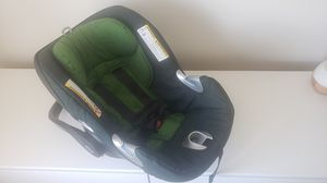 Cybex Aton Q Plus Infant car seat with base for Sale in Worth, IL