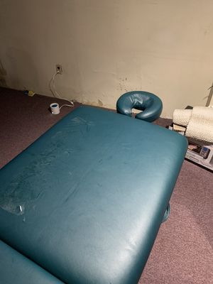 Massage table for Sale in Everett, MA