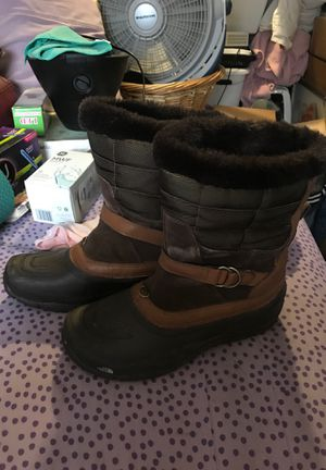 North Face Rain boots. Women's size 10. for Sale in Seattle, WA