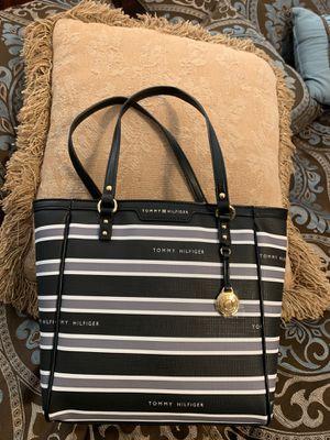 Tommy Hilfiger Purse / Tote Bag. for Sale in Greenbelt, MD