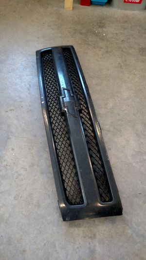 2010 Chevy Silverado grille for Sale in Three Lakes, WI