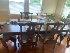 Broyhill 7 piece dining set with China Cabinet for sale for Sale in Trenton, NJ