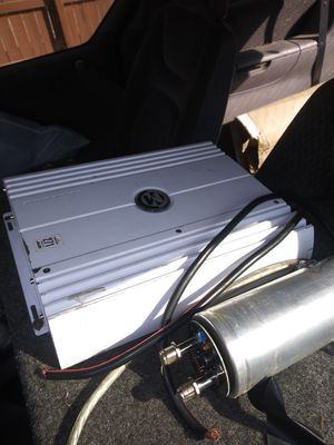 12in l7 and copassitor and amp for Sale in Wichita, KS