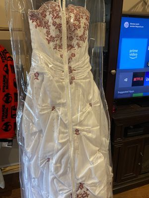 Wedding dress for Sale in Hartford, AL