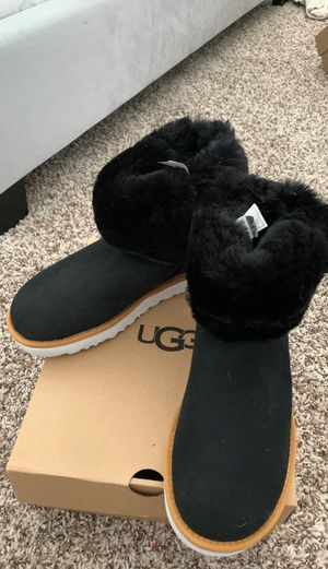 UGGs boots, women size 7, new, black for Sale in Carrollton, TX