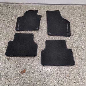 VW Tiguan Floor mats for Sale in Glen Ellyn, IL