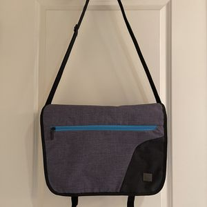DTBG, Messenger Bag/Laptop Bag, Grey, L for Sale in Seattle, WA
