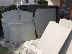 Rubbermaid 7x3 shed for Sale in Oakland Park, FL