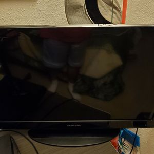 Samsung 32inch TV Works Great 👍 No Remote Control for Sale in Santee, CA