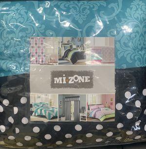 """Full/Queen Comforter """"Brand New """" for Sale in Detroit, MI"""