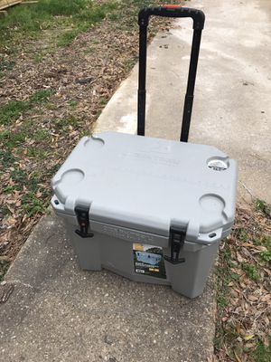 Ozark cooler for Sale in Virginia Beach, VA