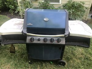 Grill - Napoleon for Sale in PA, US