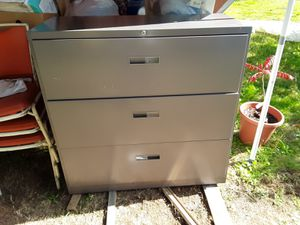 Xtra large metal file drawers. 3 drawer cabinet. for Sale in Shelton, WA