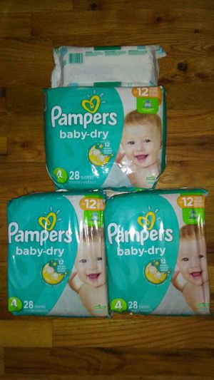 Pampers sz 4 for Sale in Warren, MI