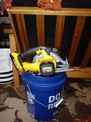 Like new 20v Dewalt Skill Saw w/battery for Sale in Fort Worth, TX