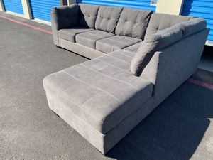 ASHLEY FURNITURE SECTIONAL COUCH IN EXCELLENT CONDITION DELIVERY AVAILABLE for Sale in Las Vegas, NV