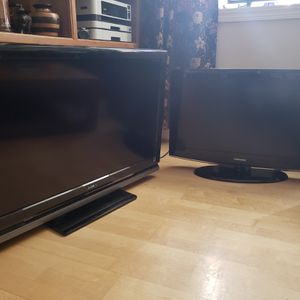 "40"" Sony Bravia and 32"" Samsung televisions for Sale in Washington, DC"