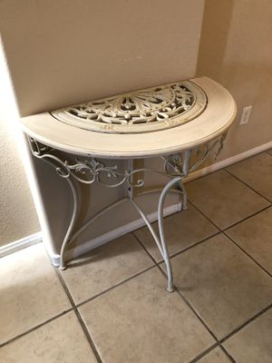 Metal White Accent Table for Sale in Las Vegas, NV