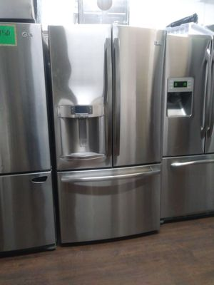 Stainless steel French door GE profile with ice maker and water for Sale in Lake Elsinore, CA