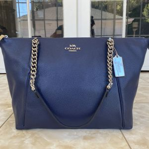 NEW Coach Blue Pebbled Leather Chain Tote for Sale in Los Angeles, CA