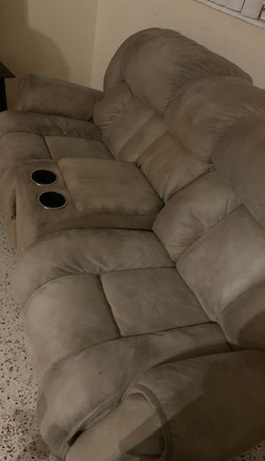 Free couch, must pick up. for Sale in Miami Springs, FL