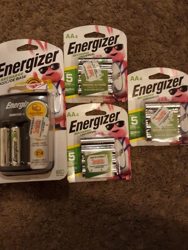 Energizer Recharger + 3 Packs of 4 AA Rechargeable Batteries