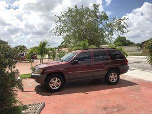 Jeep Grand Cherokee for Sale in Hialeah, FL