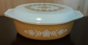 Excellent Condition on this PYREX Butterfly Gold 2.5 qt. Casserole for Sale in Puyallup, WA