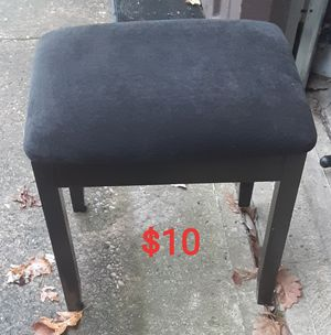 Foot stool for Sale in MIDDLEBRG HTS, OH