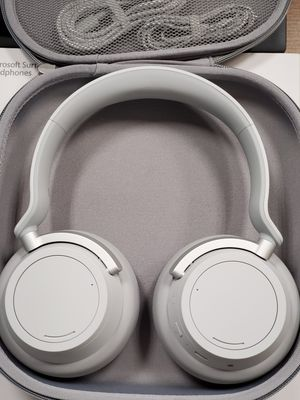 Microsoft Surface Headphones (Noise Cancelling) for Sale in Wilsonville, OR