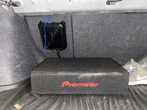 Pioneer sub and Amp for Sale in Fresno, CA