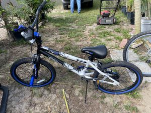 Boys bike for Sale in Haines City, FL