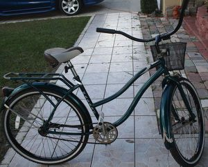 "26"" Huffy Nassau cruiser , green for Sale in Poinciana, FL"