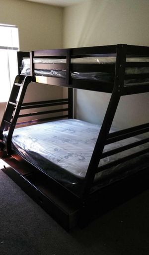 Twin/full bunk beds w mattresses included. for Sale in Anaheim, CA