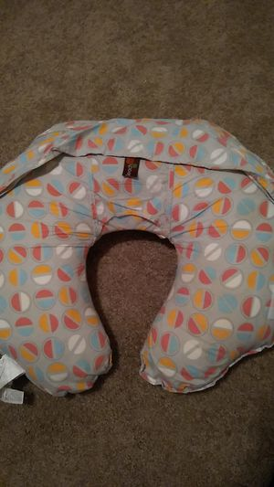 Leachco Cuddle-U Nursing Pillow and More for Sale in Smithville, MO