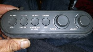 Small Battery radio with alarm and axillary cord for Sale in Manhattan Beach, CA