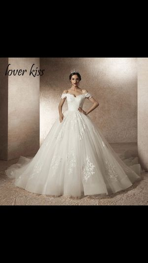 New Wedding dress + Petticoat for Sale in Ayer, MA