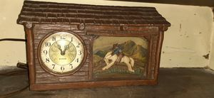 Old antique clock for Sale in Garfield Heights, OH