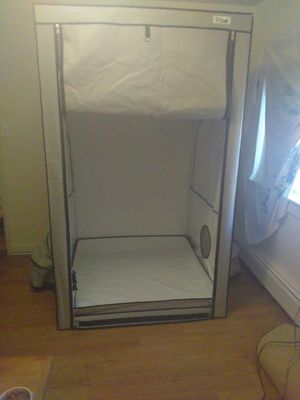 4ft×4ft×8ft Growing Tent in Perfect condition for Sale in Aurora, CO