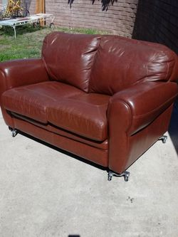 """Vintage Boho Jungalow Mid-Century Loveseat Sofa Couch Living Den Bedroom Study Guest. Soft Camel Brown High Quality Leather. 60""""Lx36""""Dx30""""H for Sale in San Diego,  CA"""