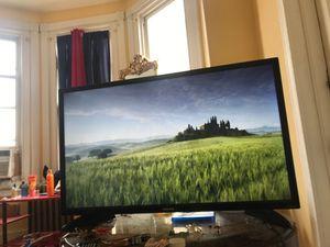 TOSHIBA FIRE tv 32inch for Sale in Philadelphia, PA