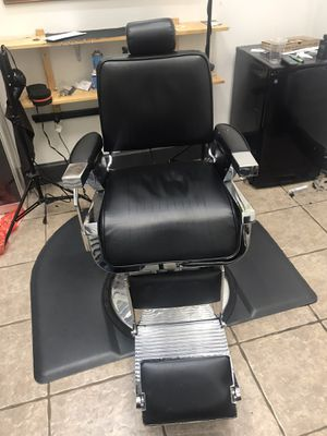Used Barber Chair for Sale in Frisco, TX