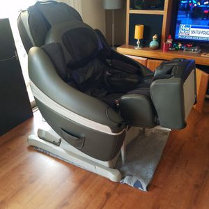 Inada SOGNO massage Chair for Sale in San Diego, CA