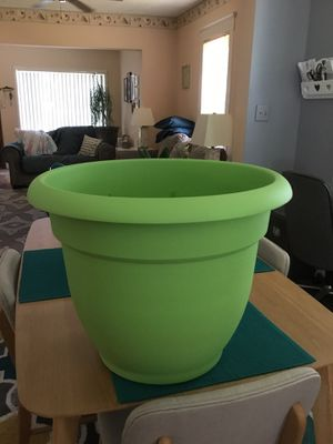 Planter for Sale in Essex, MD