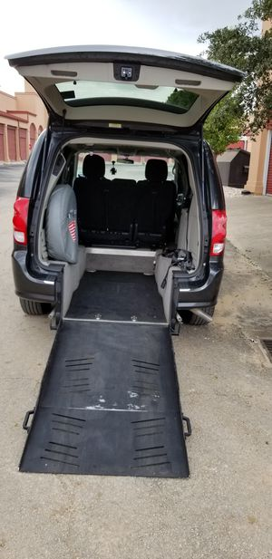2012 dodge grand caravan [ Handicap van ] for Sale in Round Rock, TX